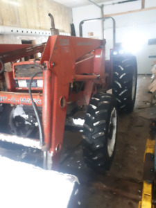 Case 585 4x4 loader tractor