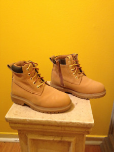 Eddie Bauer boots, used good condition, Size 11, Timberland like