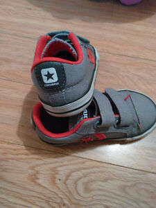 Converse Shoes Toddler Size 7 Like New London Ontario image 2