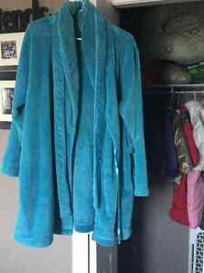 Women's fall/spring jacket from Smart Set and housecoat Kingston Kingston Area image 2