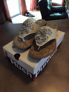 LEATHER HUSH PUPPIES SANDALS Size 10