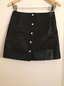 Button skirt MANGO