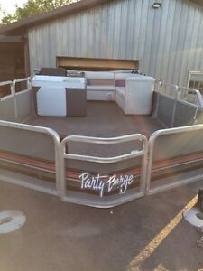 24ft tracker pontoon