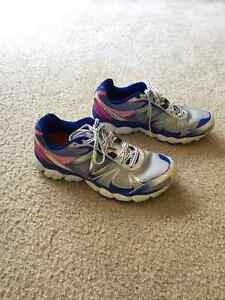 Women's Running Shoes - New Balance Size 8.5