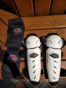 Troy Lee Designs knee pads