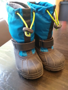 Kids Columbia winter boots -size 10