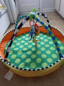 Centre d'activités pour bébés Sassy