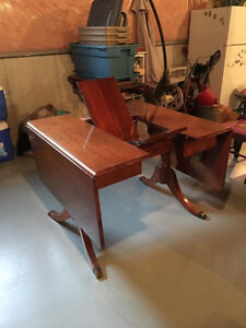 Duncan Phyfe drop leaf table with 4 chairs London Ontario image 3