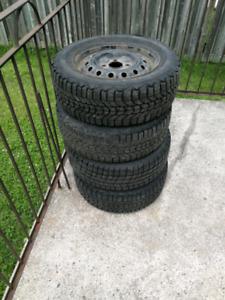 4 pneu d'hiver 205/60R15