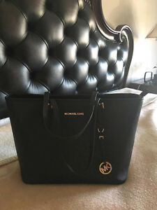 MICHEAL KORS Jet Set Travel Saffiano Leather Top-Zip Tote West Island Greater Montréal image 3