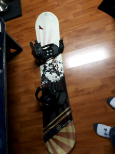 Used Snowboard w Boots & Bindings 120$ Great for Beginners