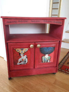 Vintage console TV table cabinet