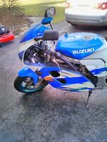 SUZUKI GSXR1100 1994 WITH EXTRAS