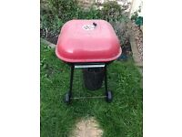 Red top coal barbecue