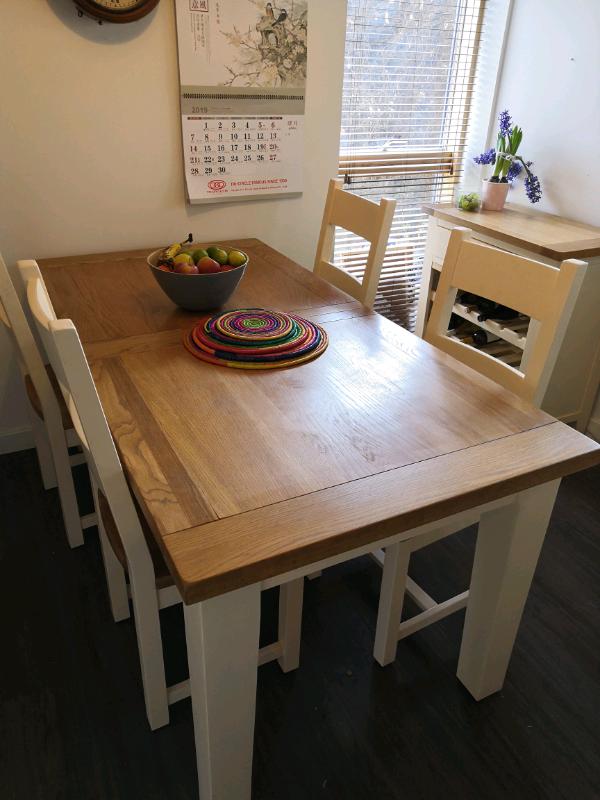 Admirable Solid Wood Cream And Oak Extending Dining Table And 8 Chairs In Canterbury Kent Gumtree Inzonedesignstudio Interior Chair Design Inzonedesignstudiocom