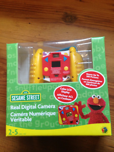 SESAME STREET REAL DIGITAL CAMERA