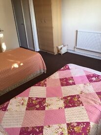 Very Clean Large Bedroom available to Rent