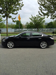 2012 Nissan Maxima 3.5 SV with premium and navigation pkg.