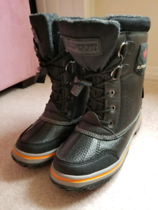 $45 New in box Superfit winter boots size 2