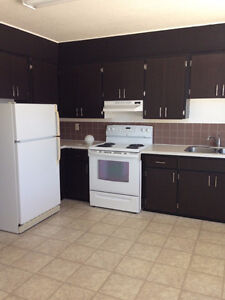 3 BEDROOM APARTMENT FOR RENT YORKTON, SK UTILITIES INCLUDED