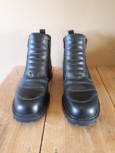 Women's Leather Motorcycle Boots Size 9