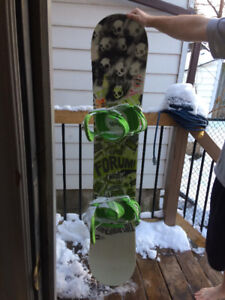 2015 153cm Forum Snowboard with forum bindings and size 10 boots
