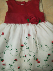 Brand new Christmas outfit size 3T
