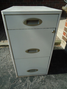 3 DRAWER FILING CABINET - 2 LARGE, 1 SMALL DRAWER