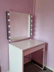 Makeup desk / mirror & lights - Belfast collection only