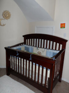 Baby crib set 4 in1 (mattress,bedding set,toy).......
