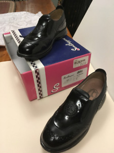 Several pairs of Ladies Golf Shoes - Individual prices inset