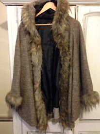 Italian Ladies Hooded Cape Beautiful Fur Winter Coat Jacket Poncho New
