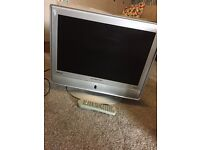 "Swisstec HDMI 19"" silver tv with built in freeview"