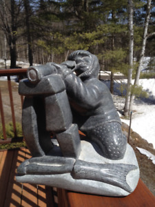 Sculpture de pierre a savon inuit