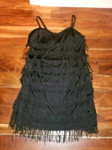 Robe de soirée noire à franges