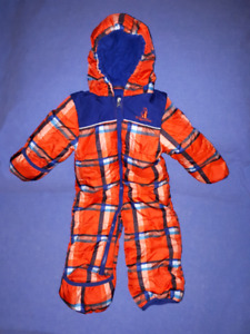 Sweet Baby Boy Snowsuit by RuggedBear Size 12mts,EUC