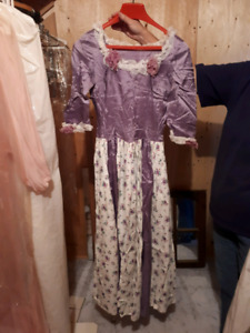 Costume robe paysanne lilas
