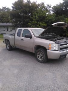 2008 Chevy Silverado pick up truck $3300