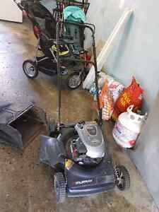 Lawn mower for sale only 100$