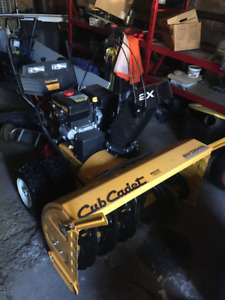 """Cub Cadet 2 Stage Snow thrower 900 Series 45""""  $1800 OBO"""