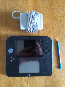 NINTENDO 2DS + CHARGEUR