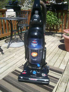 BISSELL UPRIGHT VACUUM CLEANER CARPET .FLOORS AND MORE