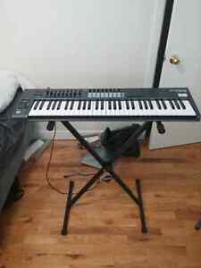 Novation Launchkey 61a PLUS STAND AND 6FT CABLE