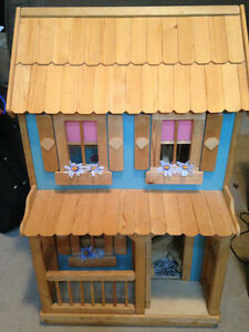 Daisy doll house with furniture for sale