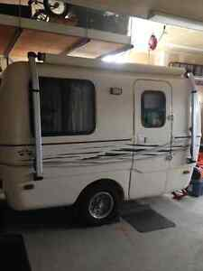 2010 Trillium Outback Trailer (like a brand new Boler!)