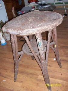 wicker chair and table, set Kawartha Lakes Peterborough Area image 3