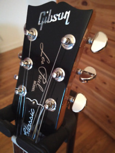 Left Handed 2017 Gibson LesPaul Classic Goldtop Guitar/Guitare