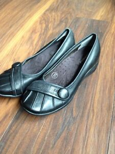 Black leather shoes - size 6m -Hush Puppies -  $10.00 OBO