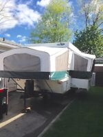 05 palomino mustang 14' tent trailer w/ slide out & hot water