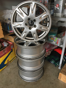 "17 "" Volvo Alloy Wheels"